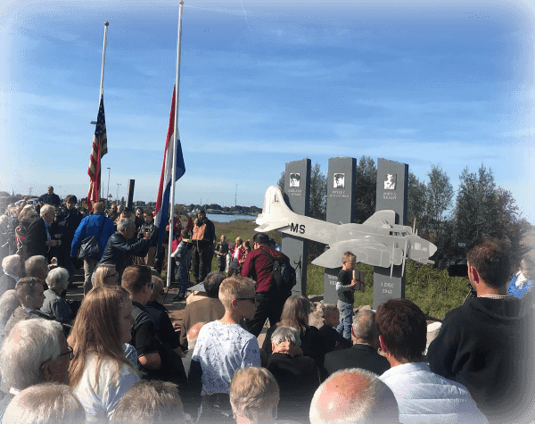 memorial ission Belle B-17G onthulling