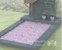 Kindermonument met flamingo van RVS foto 3