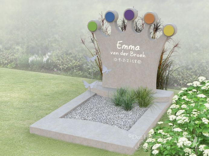 Kindermonument met kroon foto 1